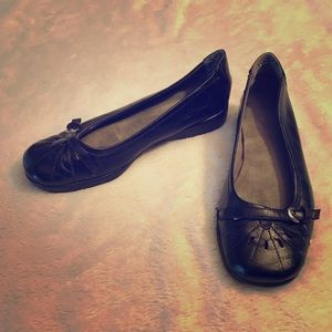 A2 Size 7.5 Black Dress Shoes - very comfortable!
